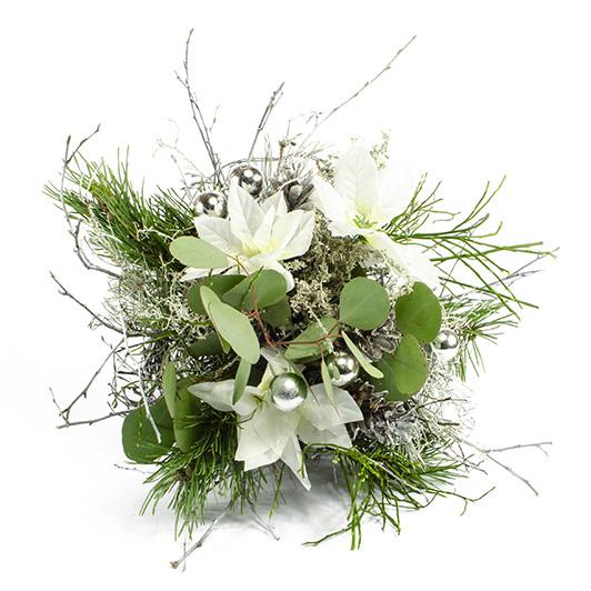 Vánoční kytice s bílými vánočními růžemi 1
