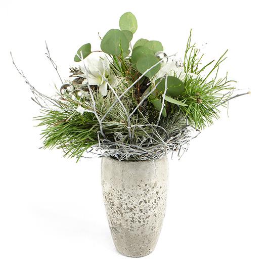 Vánoční kytice s bílými vánočními růžemi 2