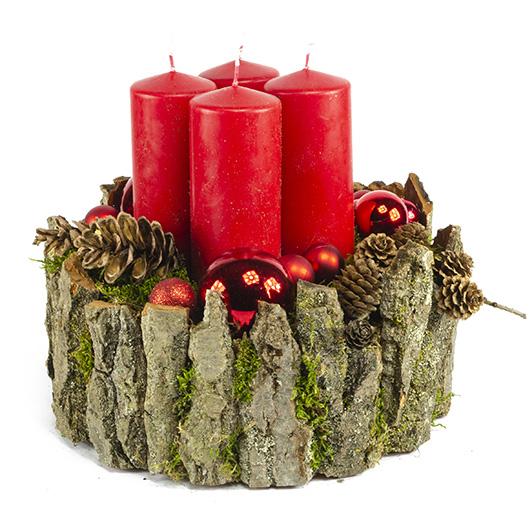 Luxusní adventní svícen s červenými svíčkami