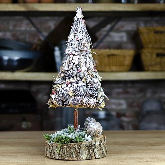 Bílý zasněžený stromeček 2
