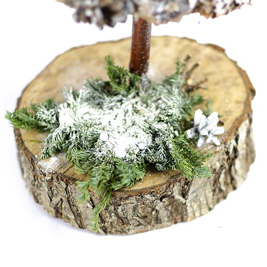 Bílý zasněžený stromeček 4
