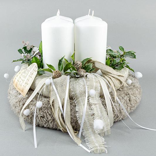 Jemný adventní svícen z hebké chlupatiny 4