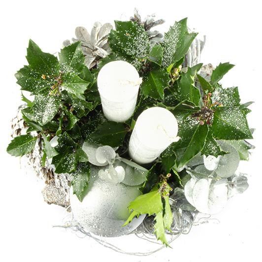 Jednoduchý pohledný bílý vánoční svícen 4