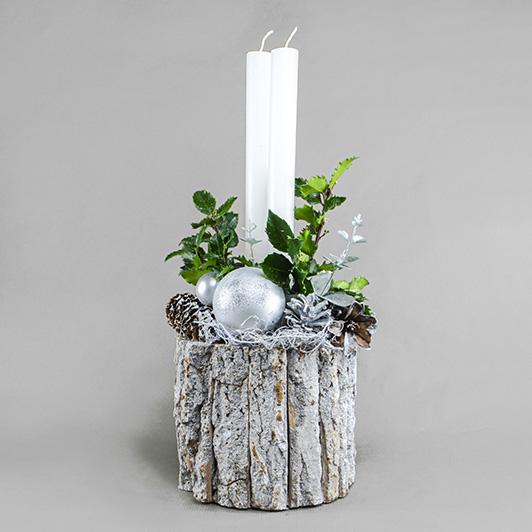 Jednoduchý pohledný bílý vánoční svícen 6