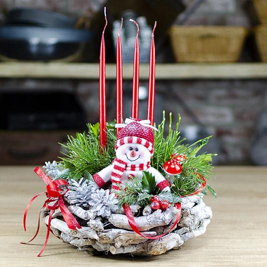 Adventní svícen s roztomilým sněhuláčkem 2