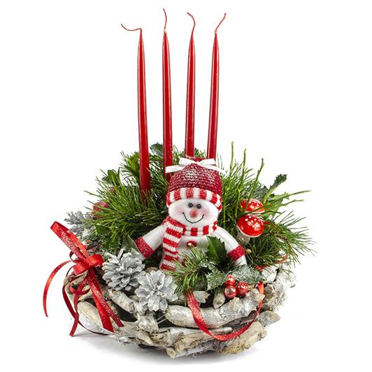Adventní svícen s roztomilým sněhuláčkem
