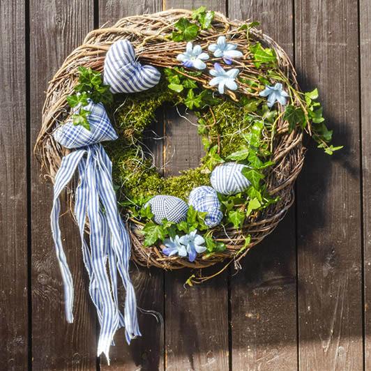 Jarní věnec v modrém 2
