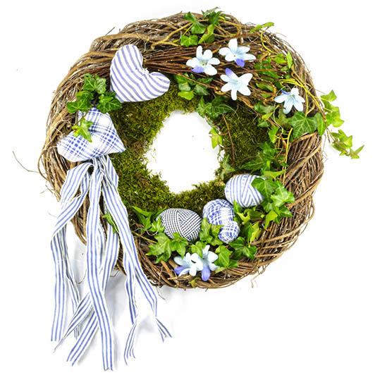 Jarní věnec v modrém