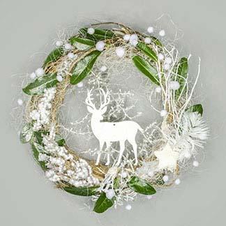 Nostalgický zimní věnec s jelenem