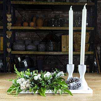 Stylový štědrovečerní bílo stříbrný svícen
