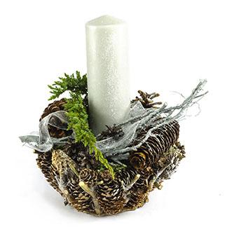 Nezapomenutelný přírodní svícen se šiškami
